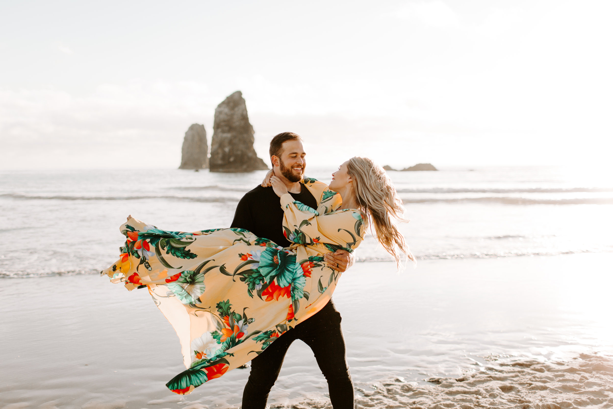 MADISONRYLEE_HANNAH+DAKOTA_CANNONBEACH_OREGONEngagement_0023.jpg