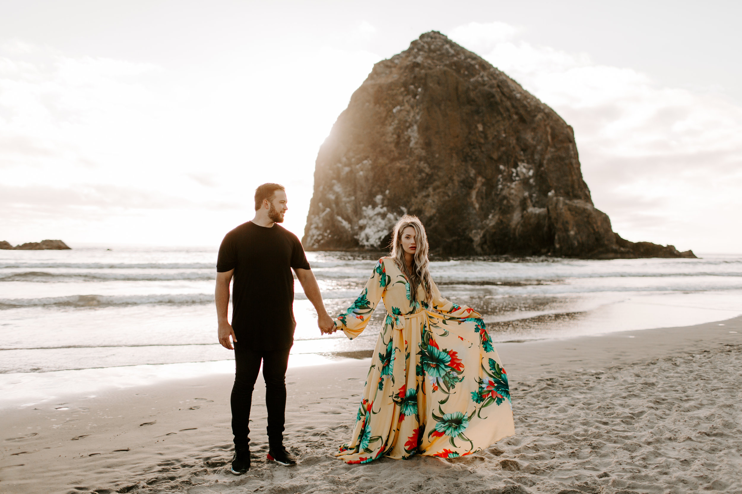 MADISONRYLEE_HANNAH+DAKOTA_CANNONBEACH_OREGONEngagement_0028.jpg