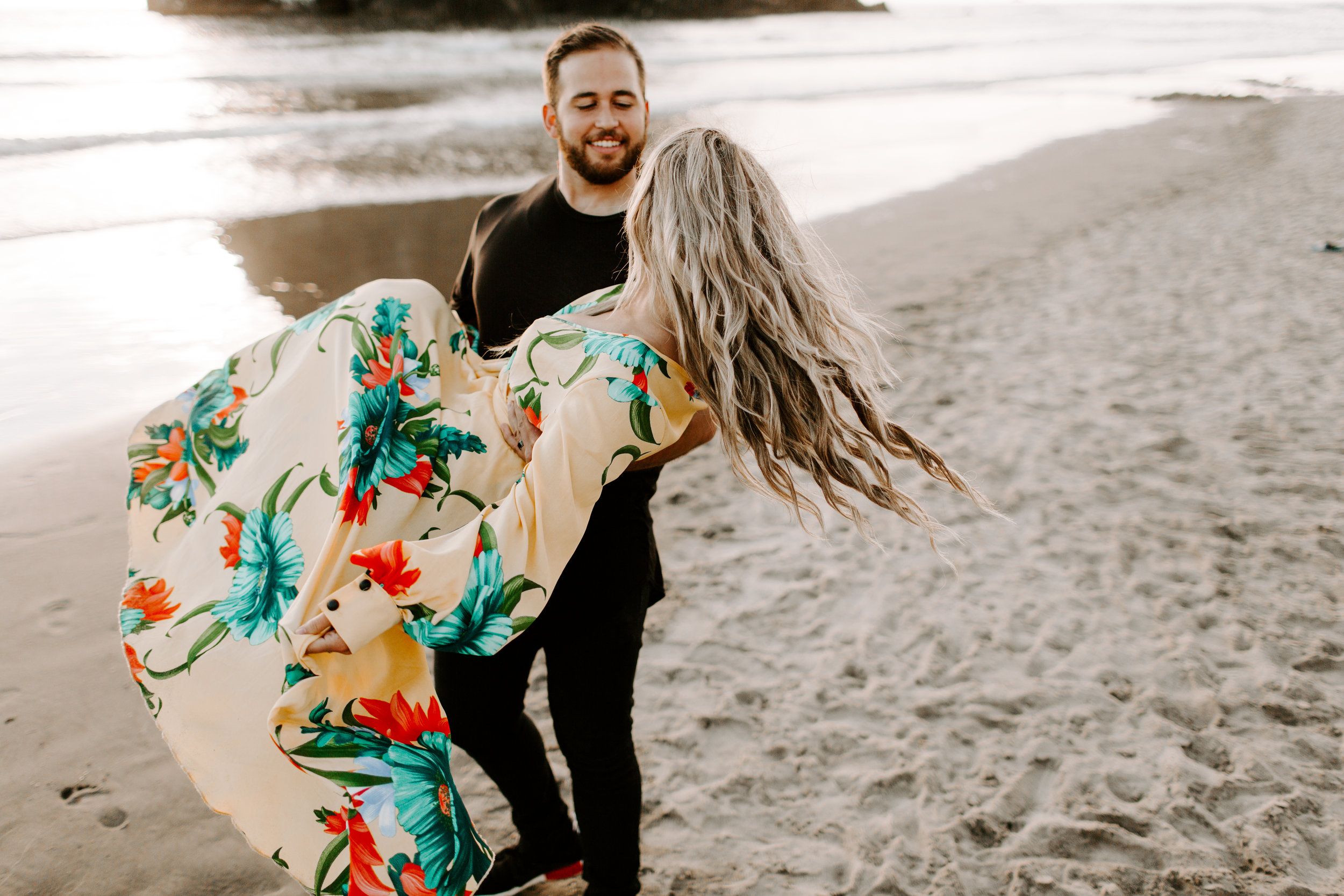 MADISONRYLEE_HANNAH+DAKOTA_CANNONBEACH_OREGONEngagement_0030.jpg