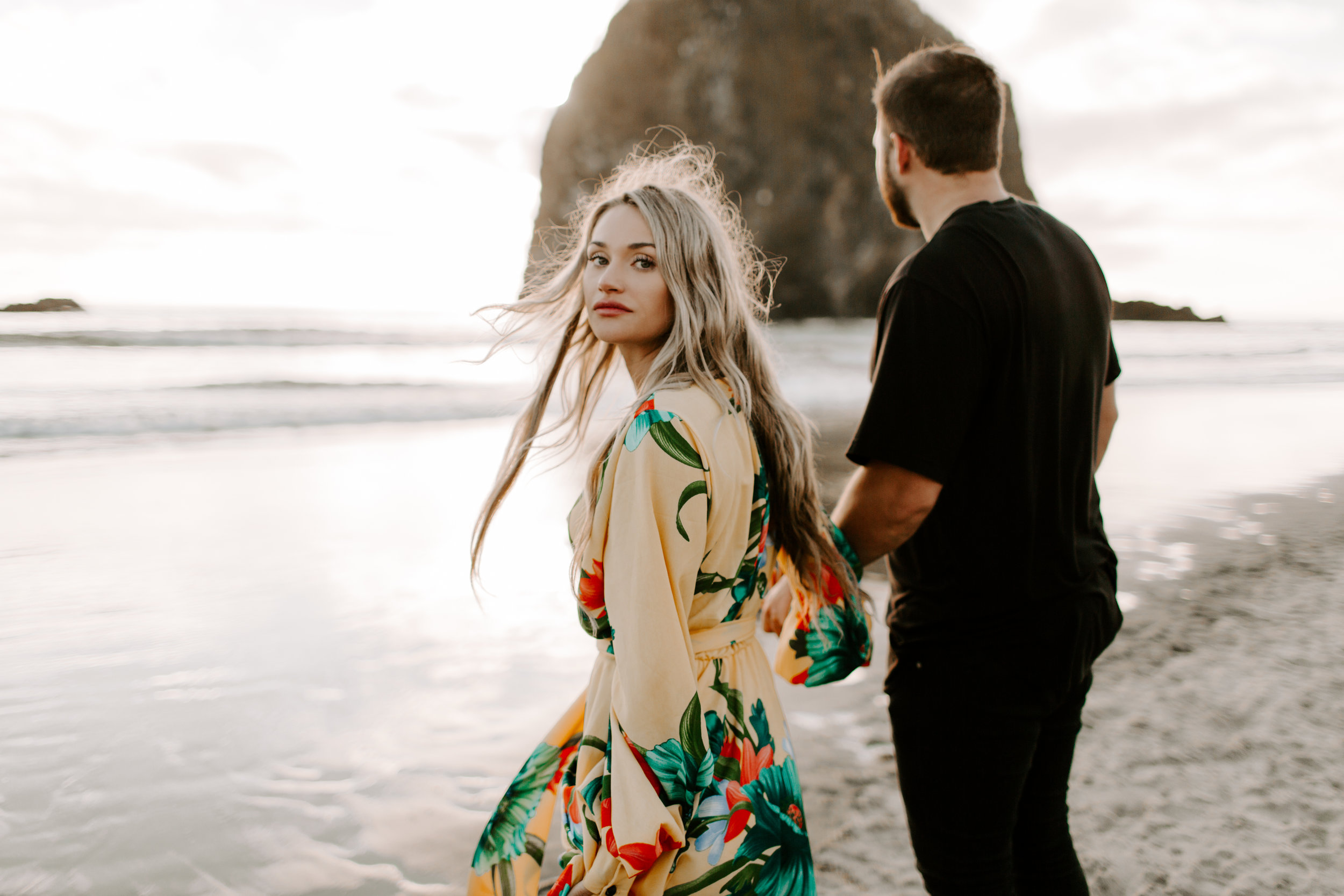 MADISONRYLEE_HANNAH+DAKOTA_CANNONBEACH_OREGONEngagement_0033.jpg
