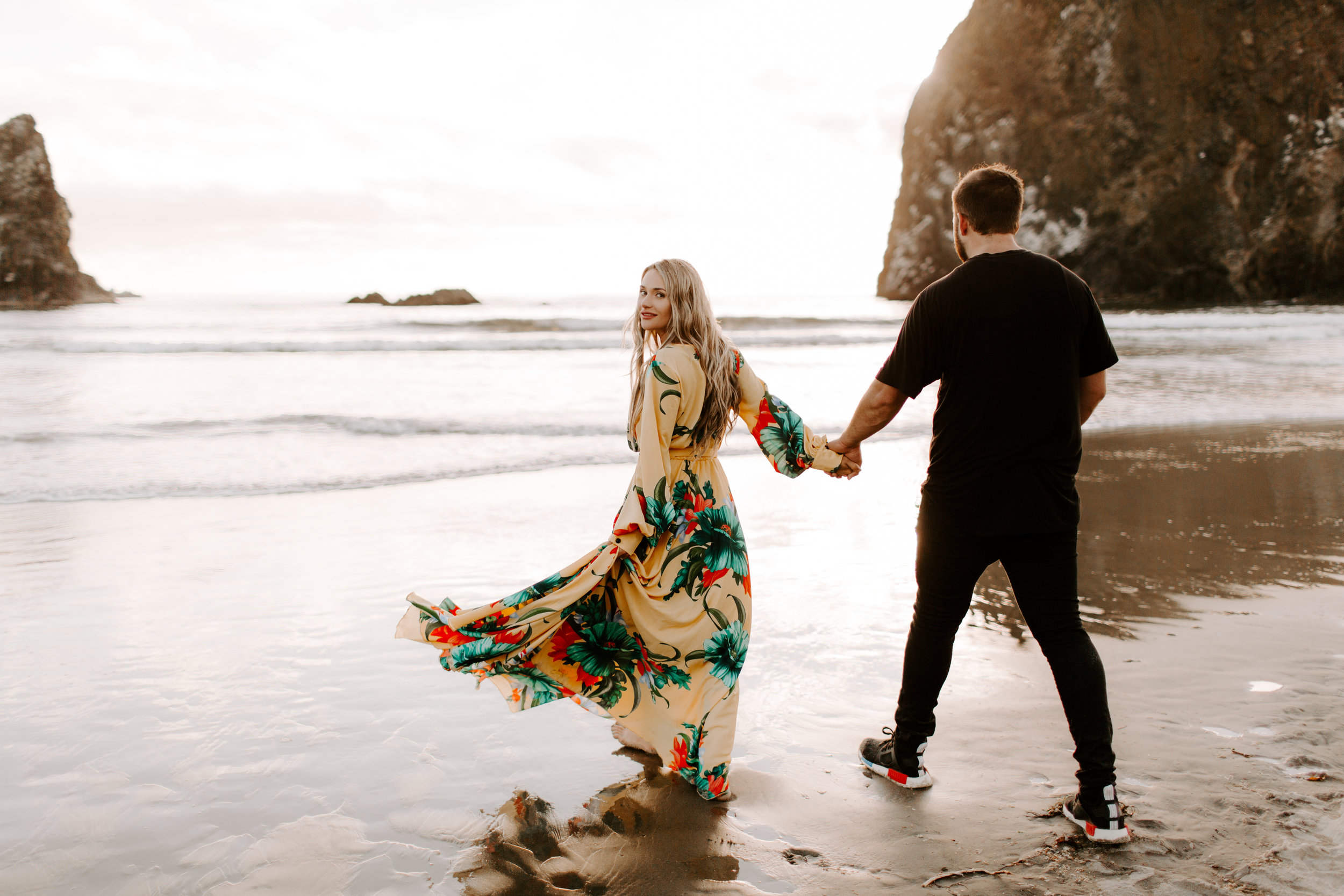 MADISONRYLEE_HANNAH+DAKOTA_CANNONBEACH_OREGONEngagement_0036.jpg