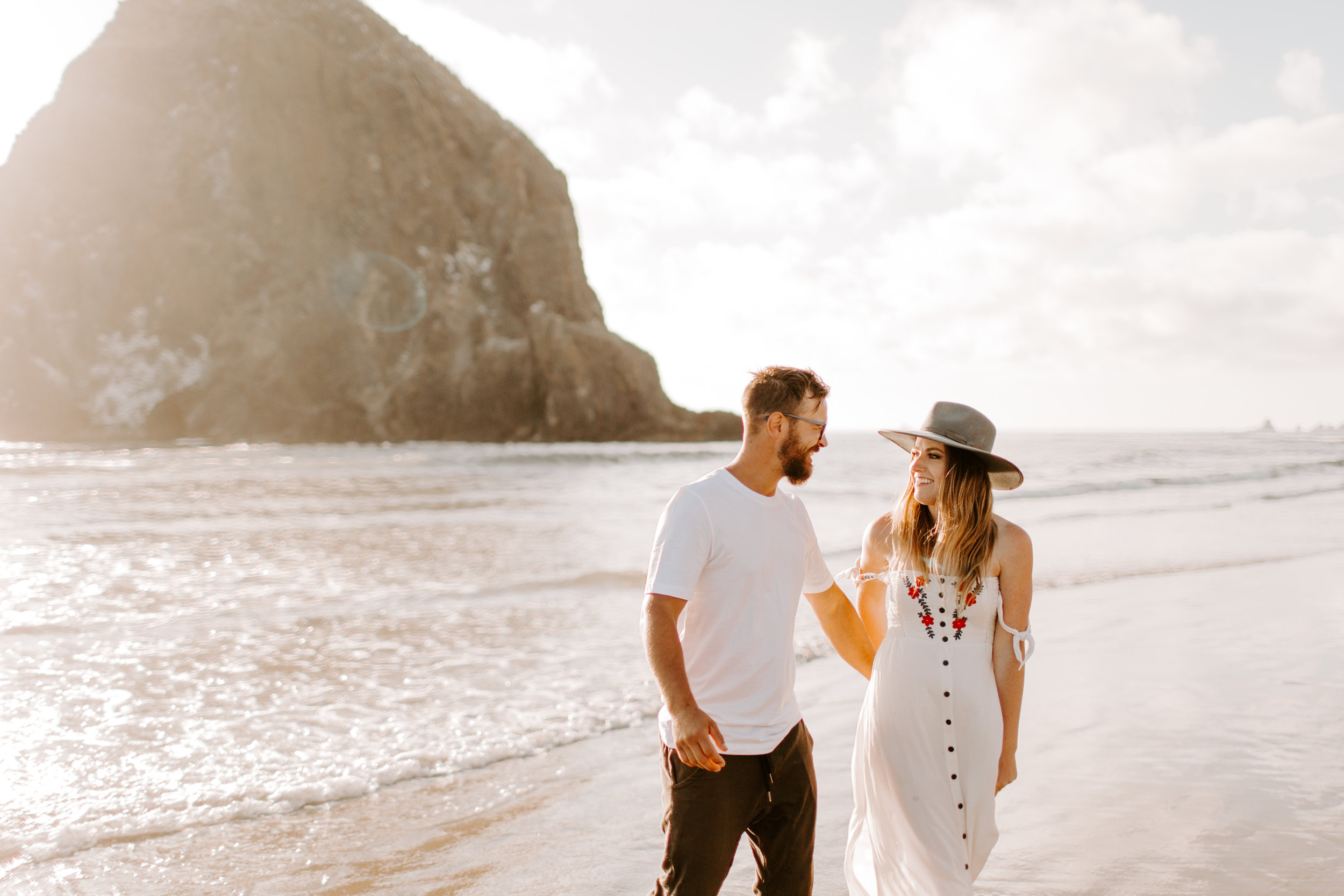MADISONRYLEE_STEPH+JAMES_CANNONBEACH_OREGONEngagement_0032.jpg