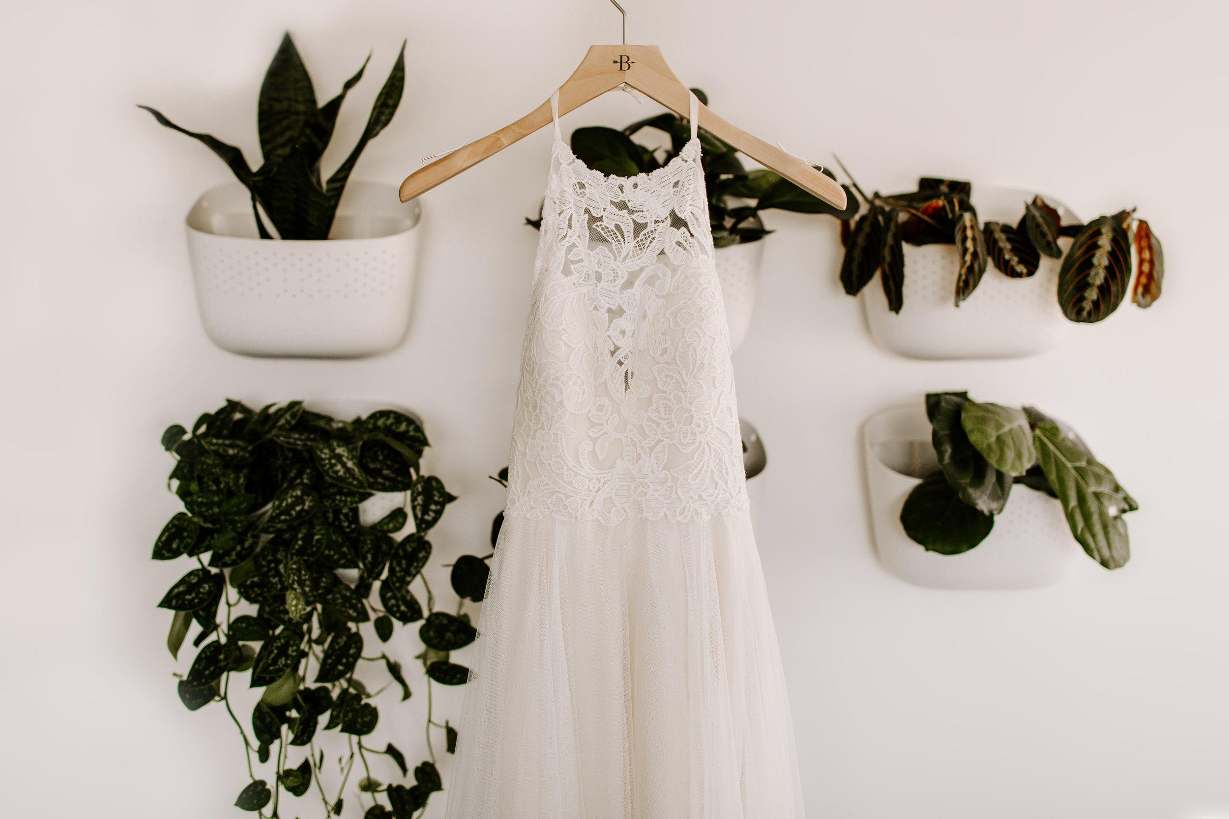 sarah+neuman_wedding_madisonrylee_0004 copy.jpg