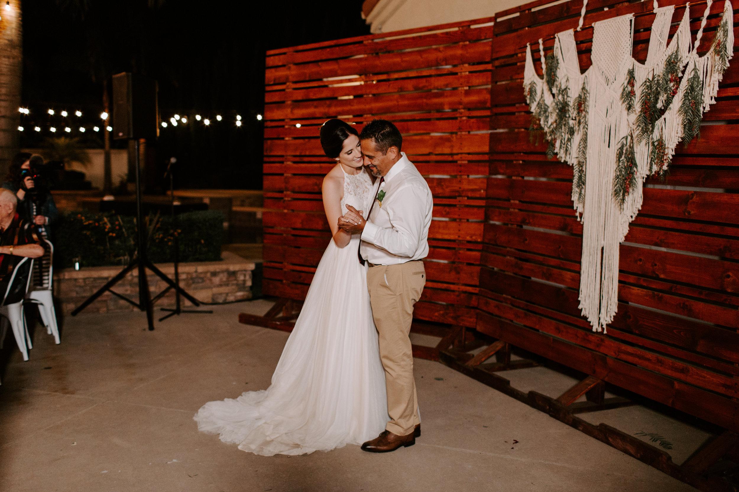 sarah+neuman_wedding_madisonrylee_1011.jpg