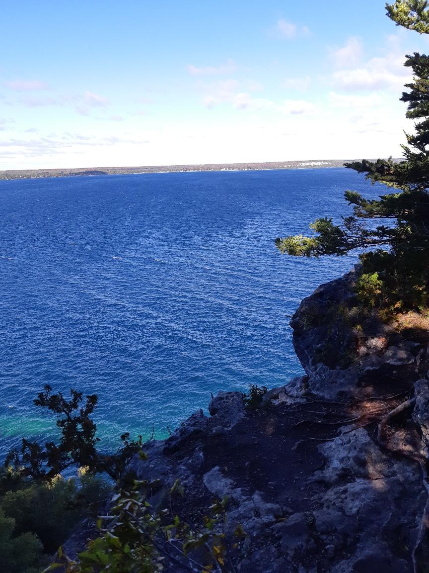 A great walk by beautiful, beautiful Georgian Bay a few weeks back.  🙂 🙂 🙂