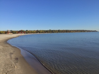 Oct. 30 Lake Ont beach scene.JPG