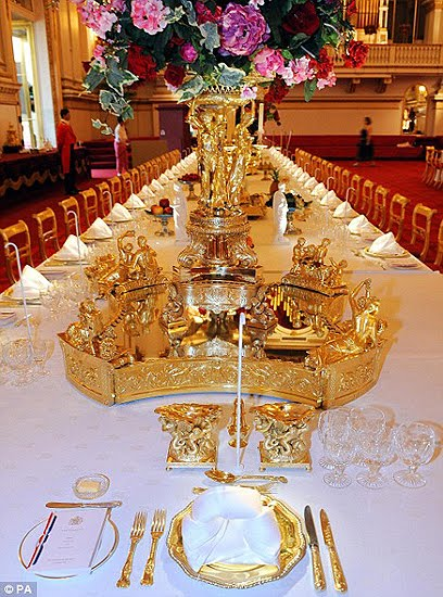 royal-palace-table-setting.jpg