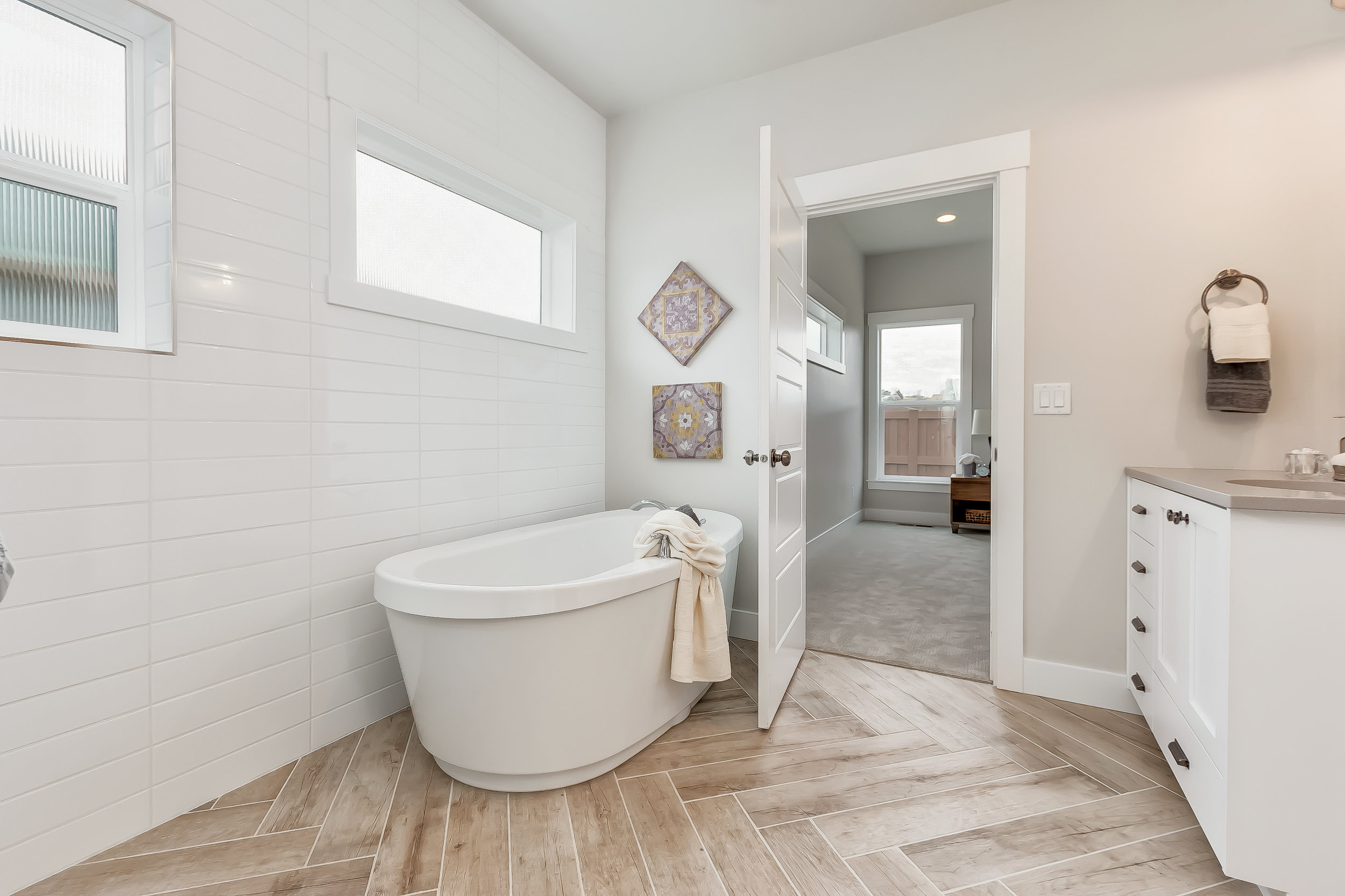 034_Master Bathroom .jpg