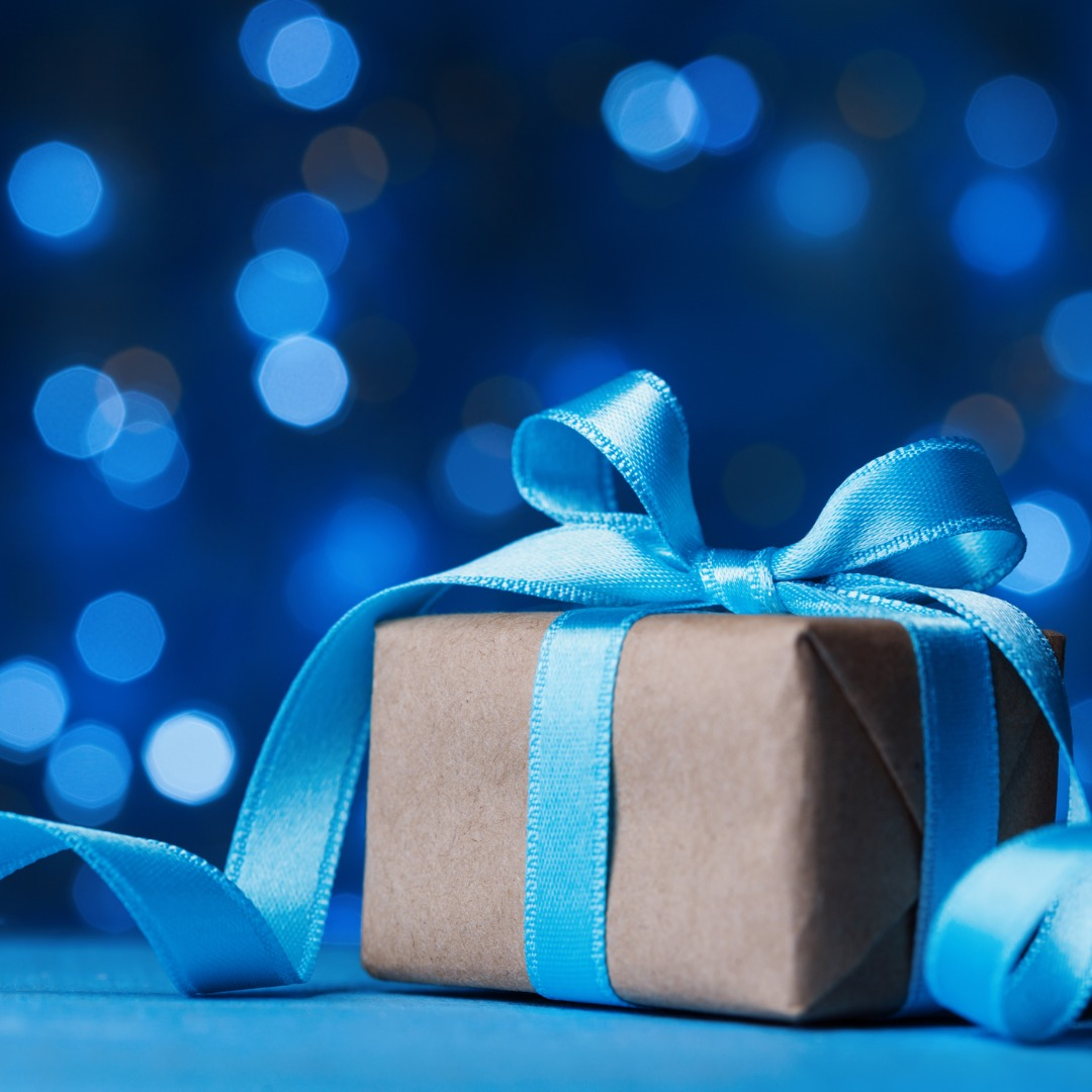 holiday-greeting-card-christmas-gift-box-or-present-with-bow-ribbon-picture-id871526202 (1).jpg
