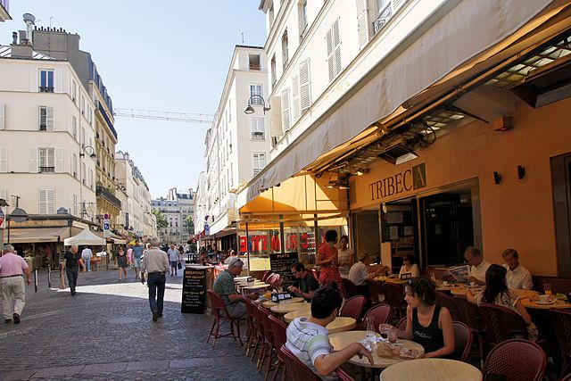 Le Tribeca along Rue Cler /  Photo  By besopha,  CC by 2.0