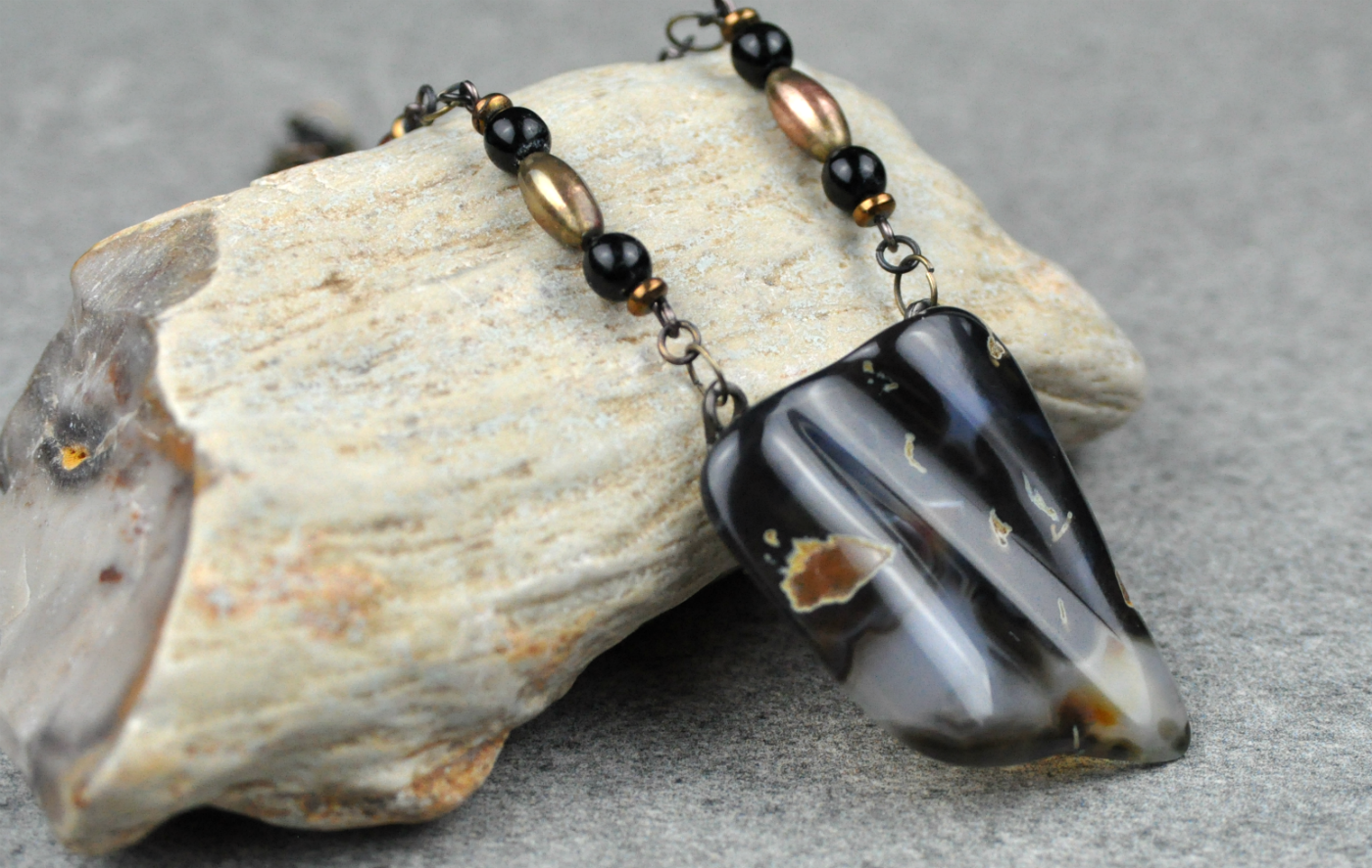 Black-agate-necklace7.png
