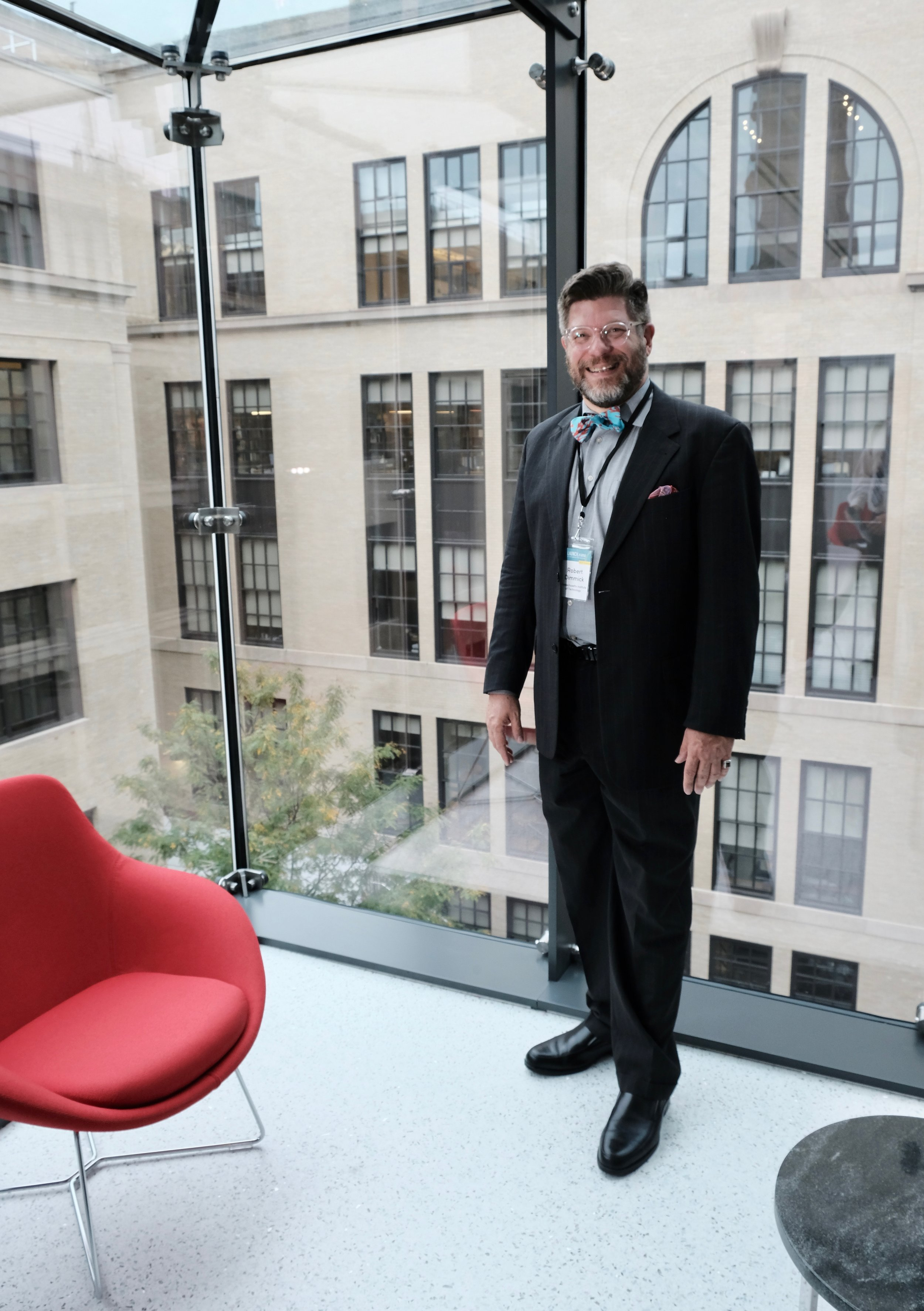 October, 2018, at the opening of the glam new mit.nano facility. My right hand is over the window of my old office in 10-140 (1996-1999 and 2003-2005?) and my left shoulder is by my old office in 10-370 (2005?-2008).