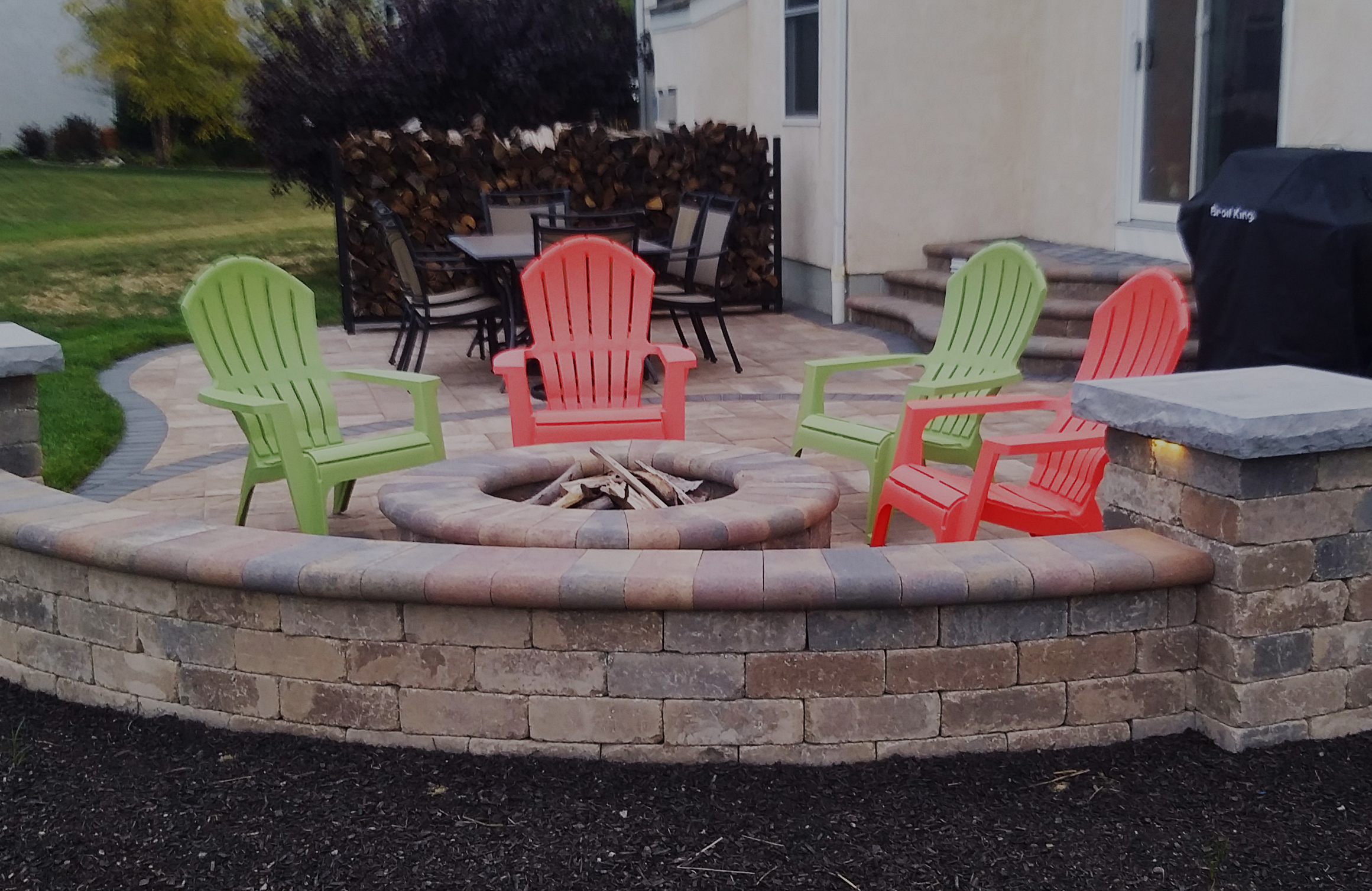FIRE-PITS/FIREPLACES -