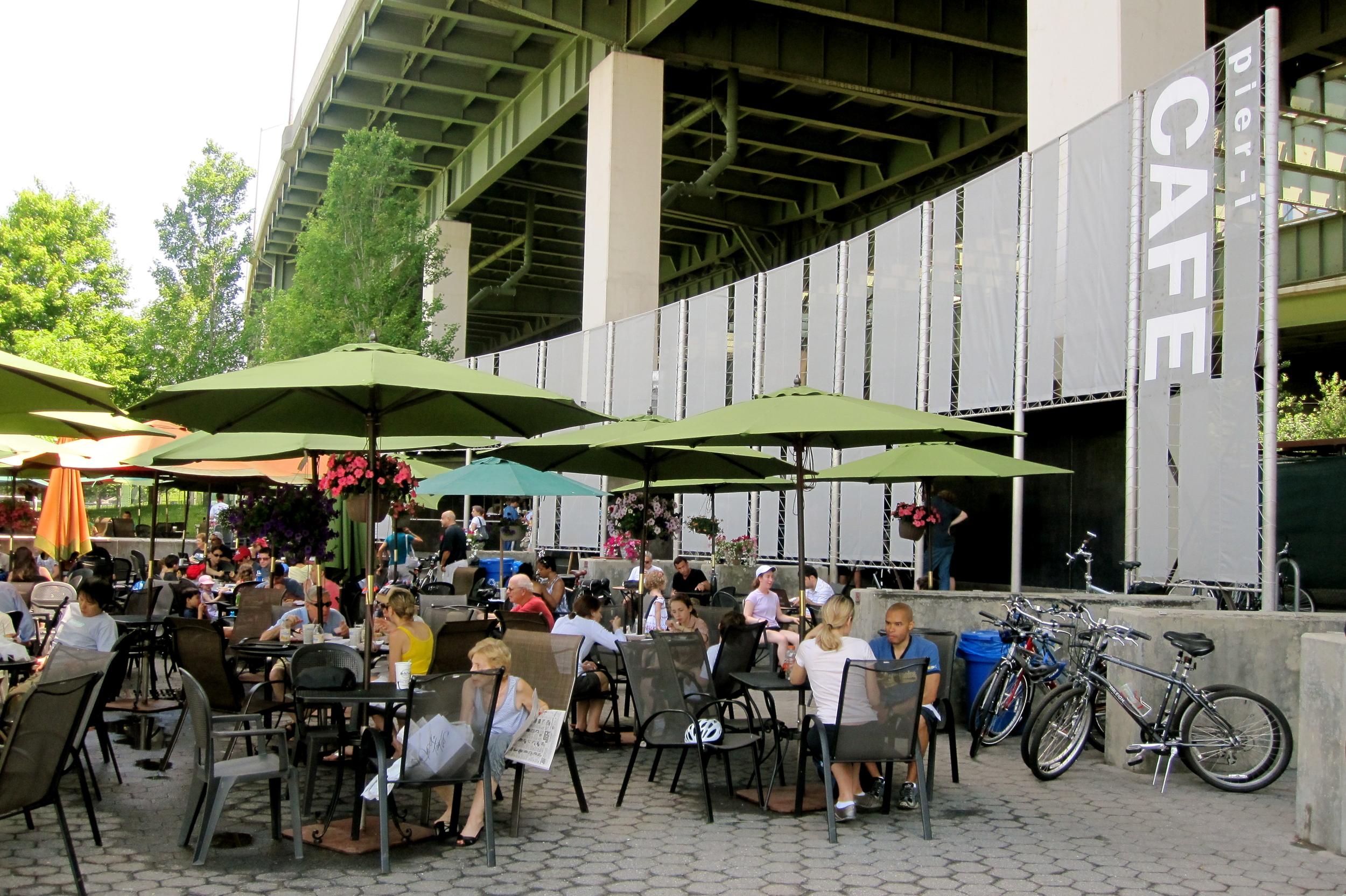 Pier i Cafe (5:30 pm)