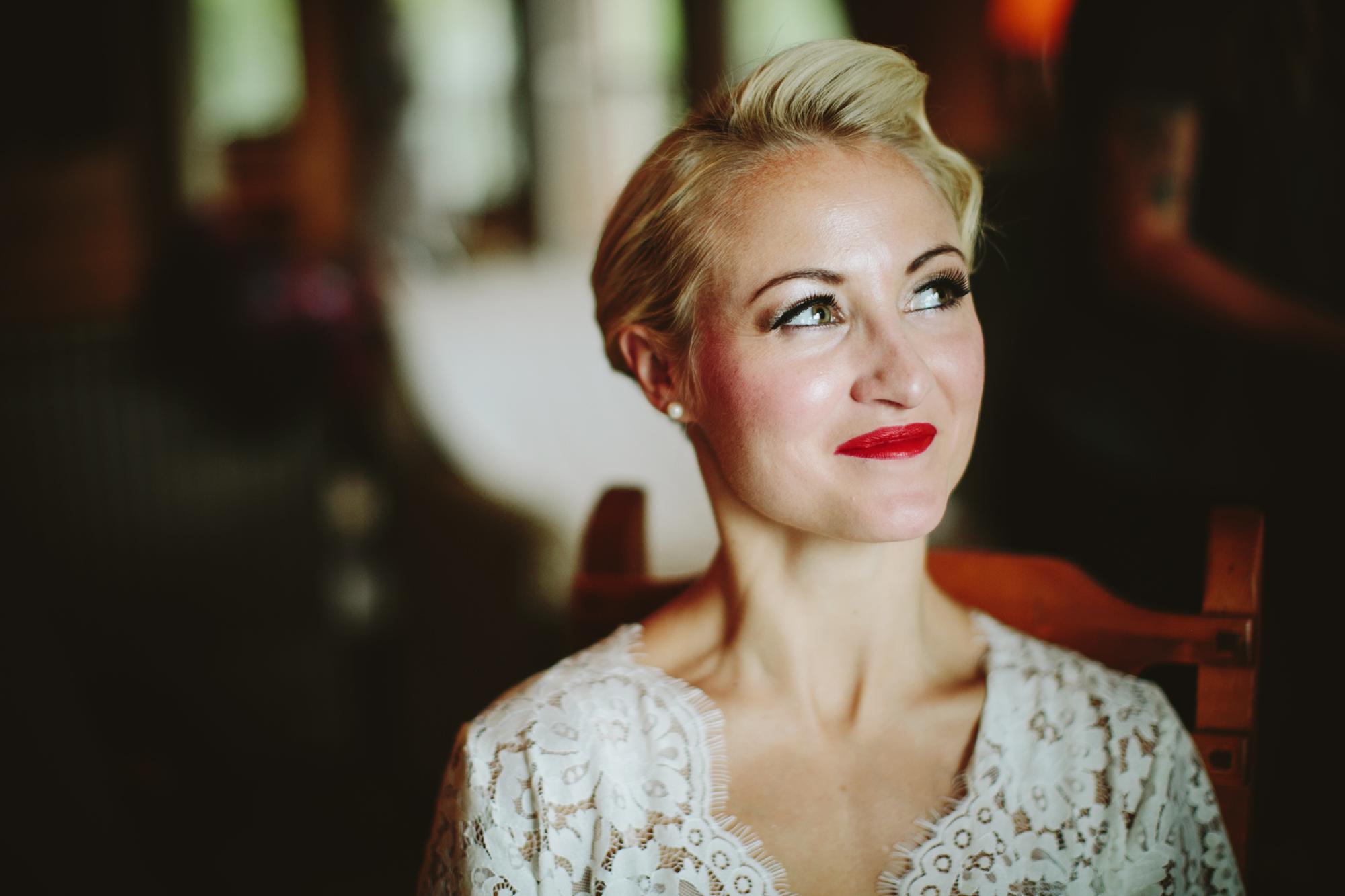 mountain wedding, lake wedding, alberta wedding photographer, bride getting ready, 30s hairstyle