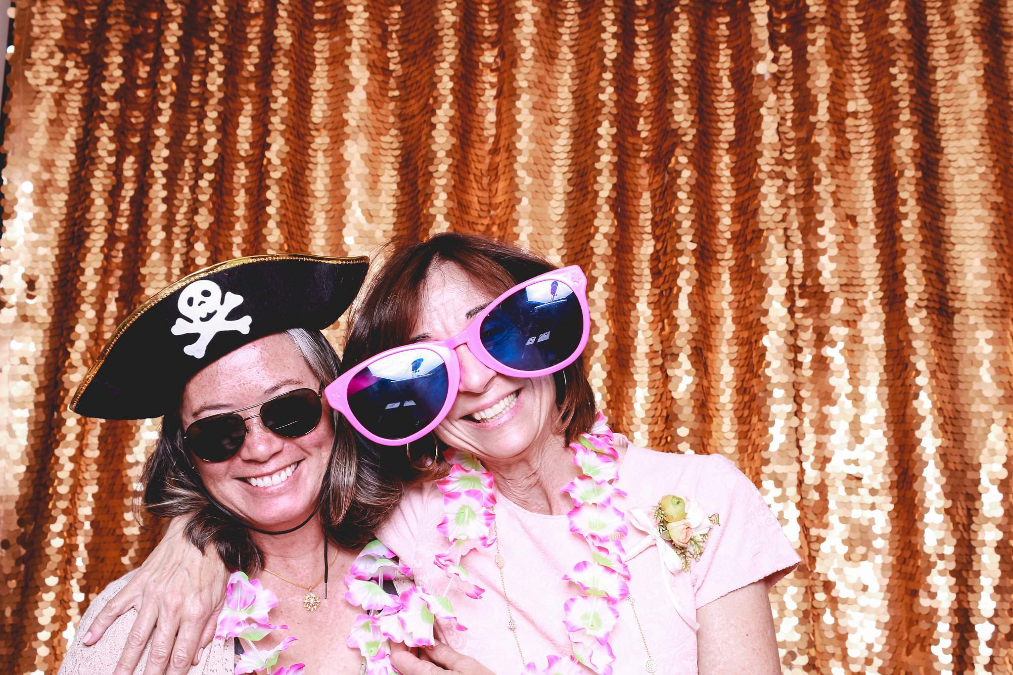 LarsandLauren-photobooth043.jpg