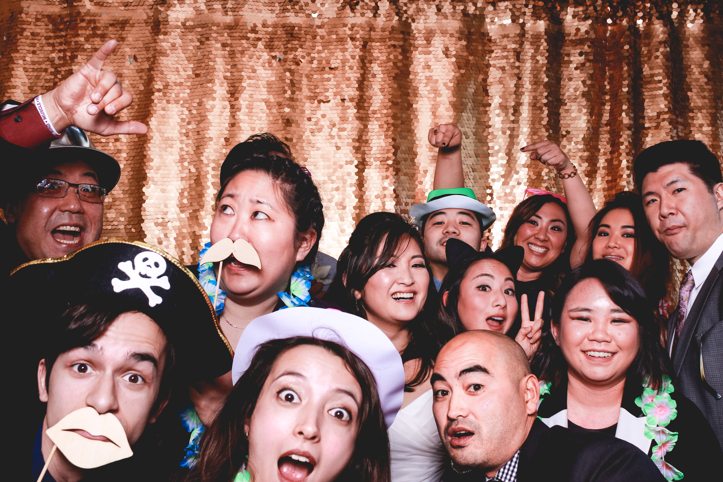 kelly-and-aaron-photobooth-5.jpg