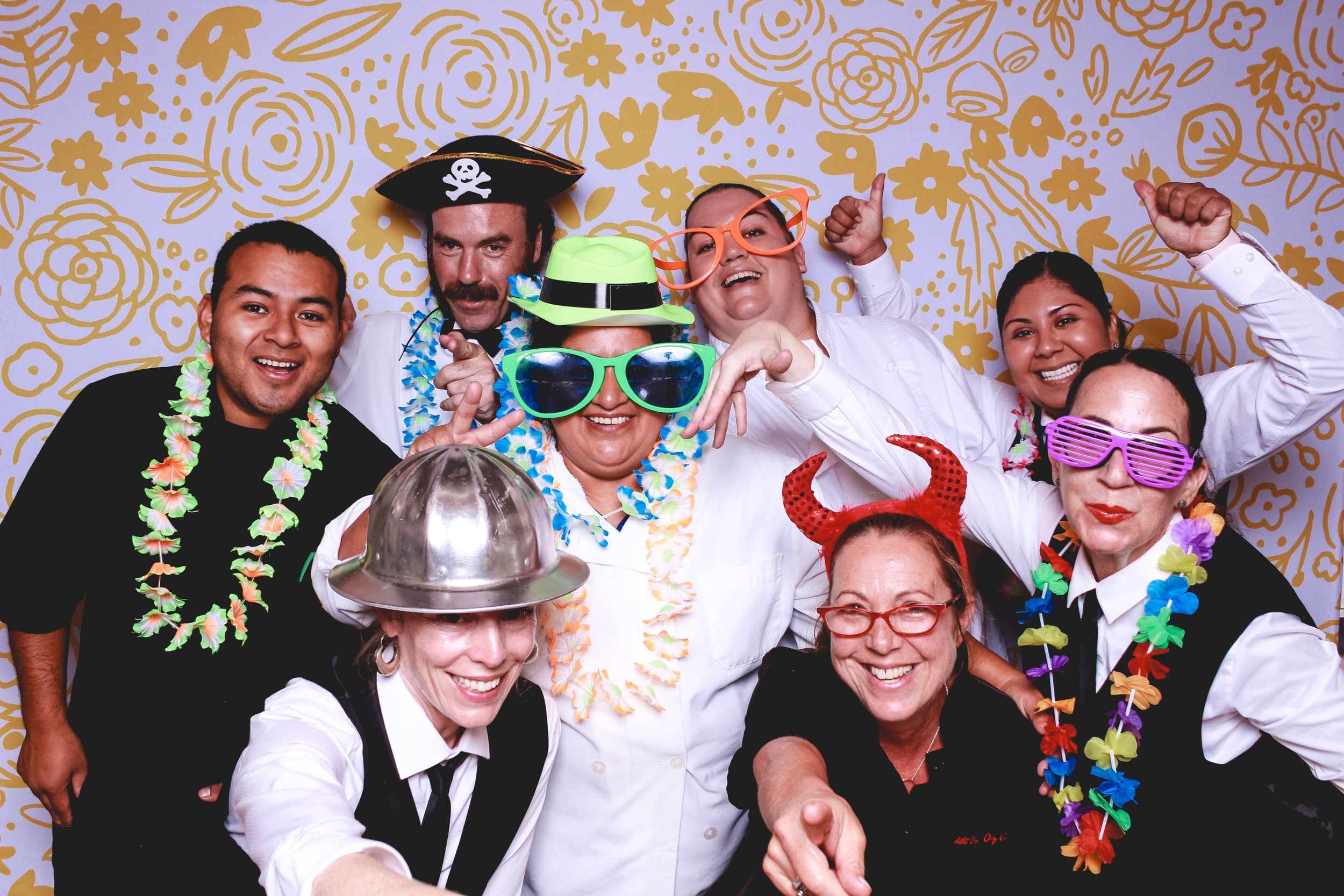 kat_nate-photobooth_oz-catering-1.jpg