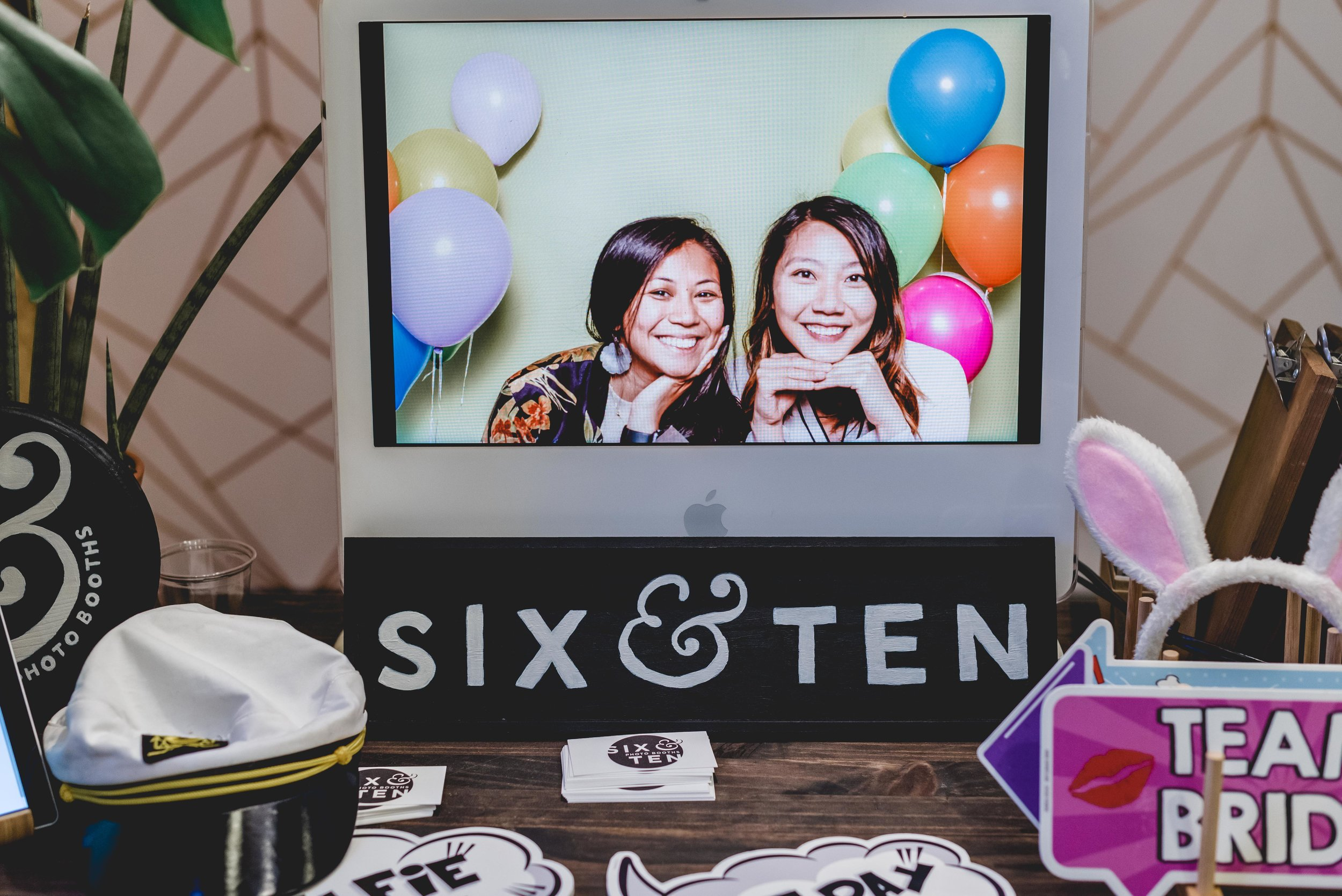 six-and-ten-photobooth-001.jpg