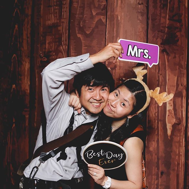 Was so happy to see these two and watch them in action at this #wedding at @curiodyssey! Thanks for taking a photo in our booth @ataleaheadphoto #jjustgotquached