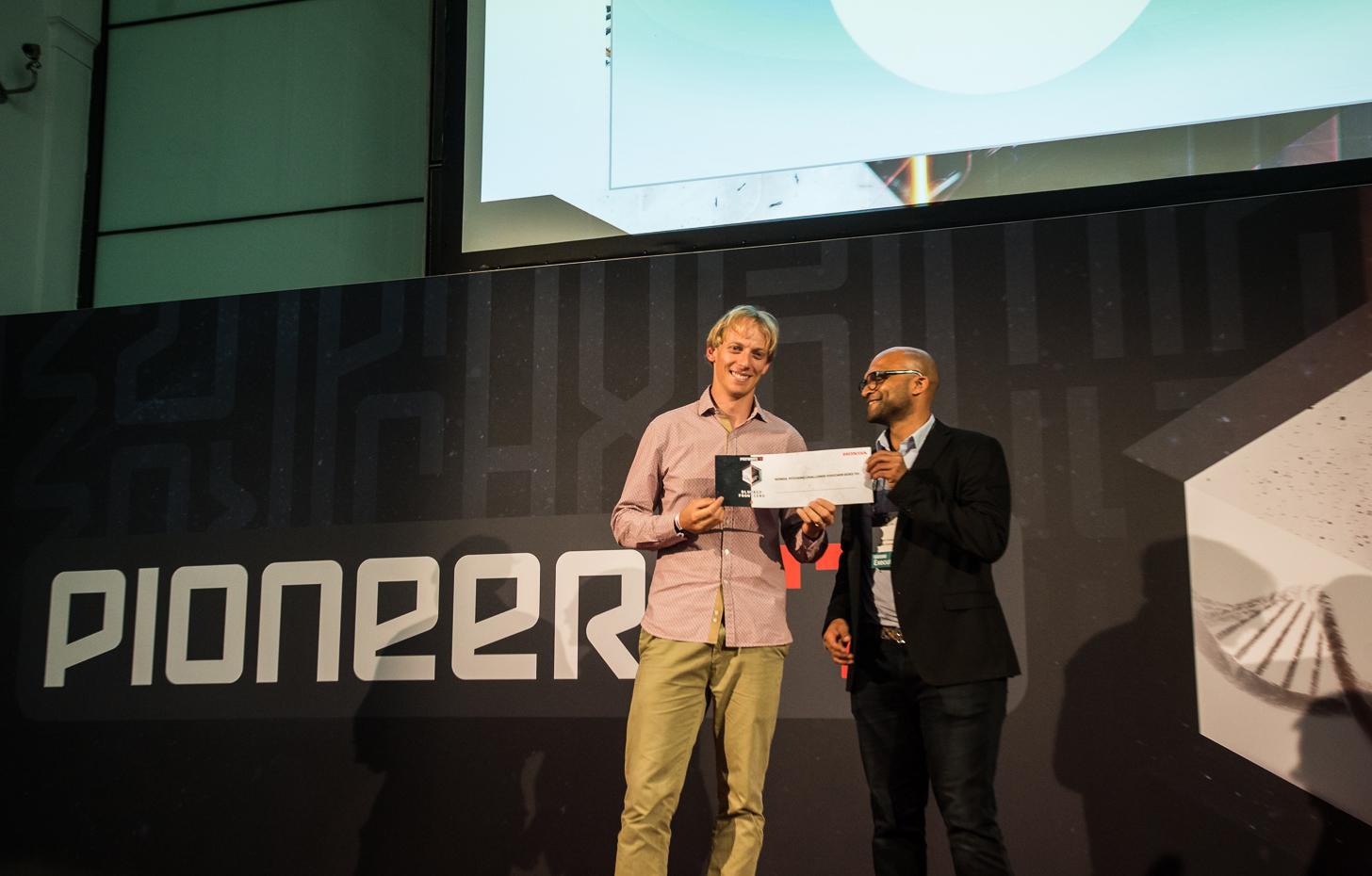 Skysense CEO Andrea Puiatti receiving the 1st prize