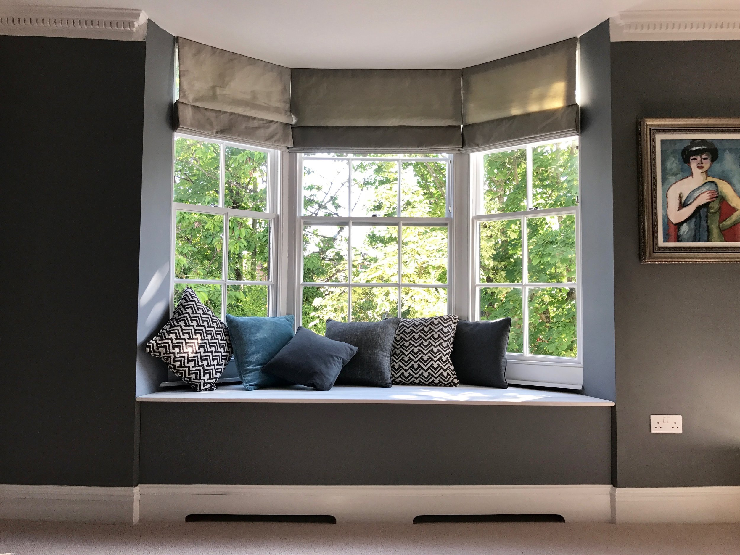 Residential Living Room Design.: Bespoke built bay  window seat, hand made soft furnishings & blind  & styling advice.