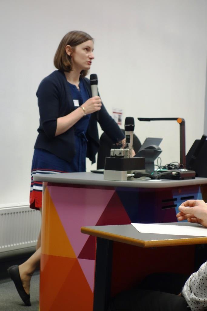 Dr Ashleigh Cairns