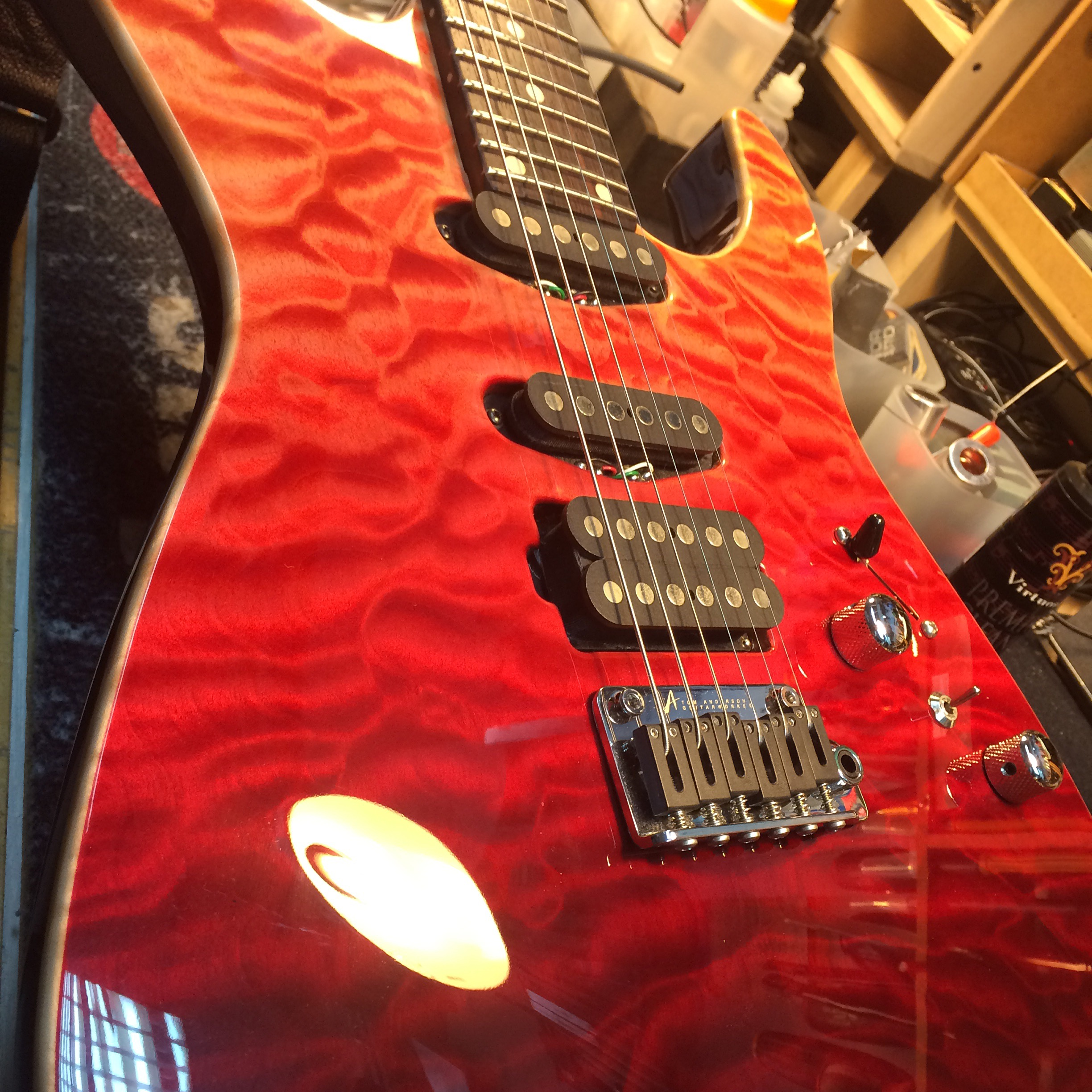 Derrick Sepnio's Tom Anderson Custom Angel sporting a beautiful red fade finish