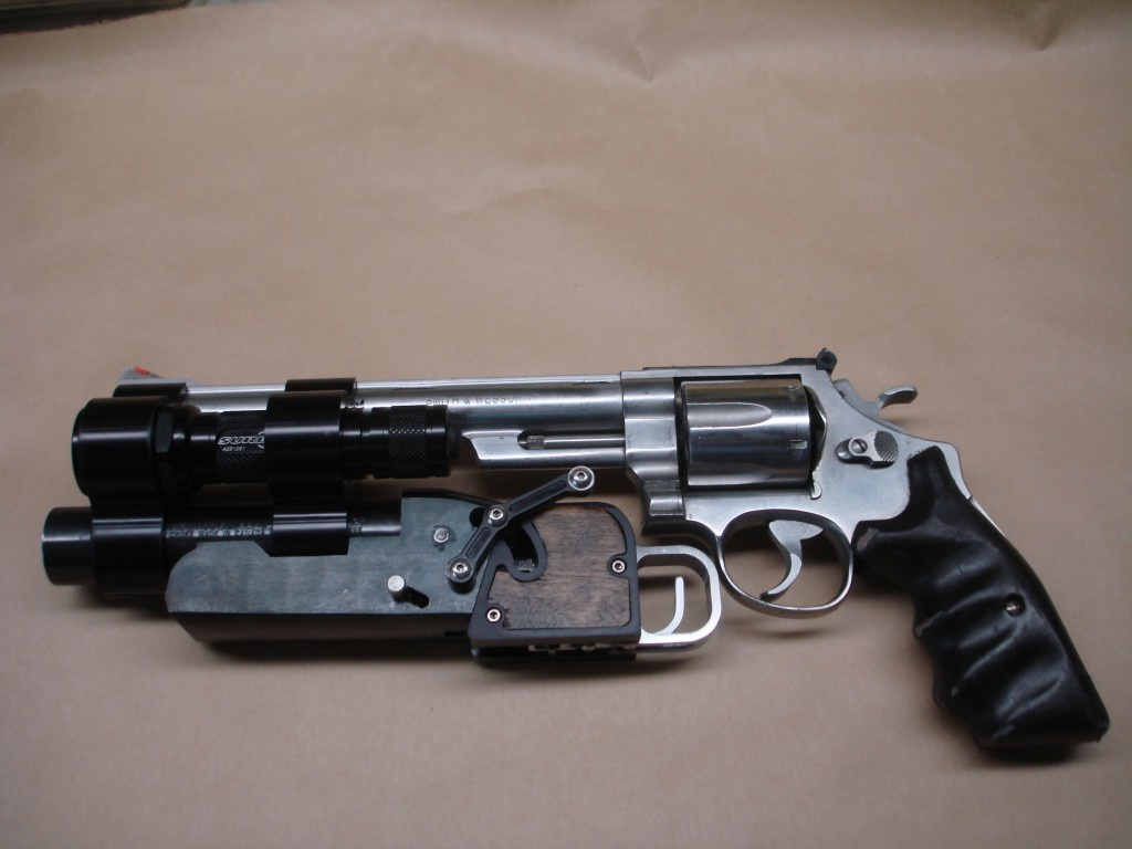 Red (2010) - Handgun