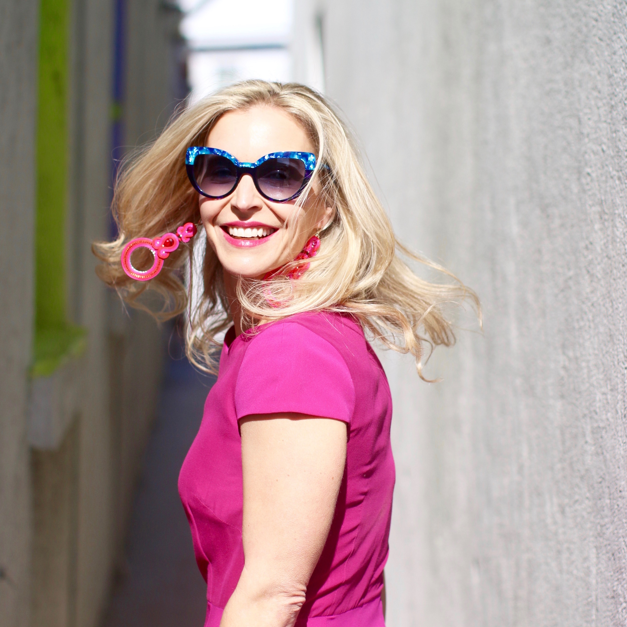 Sunglasses  /  Dress  (similar to pictured)