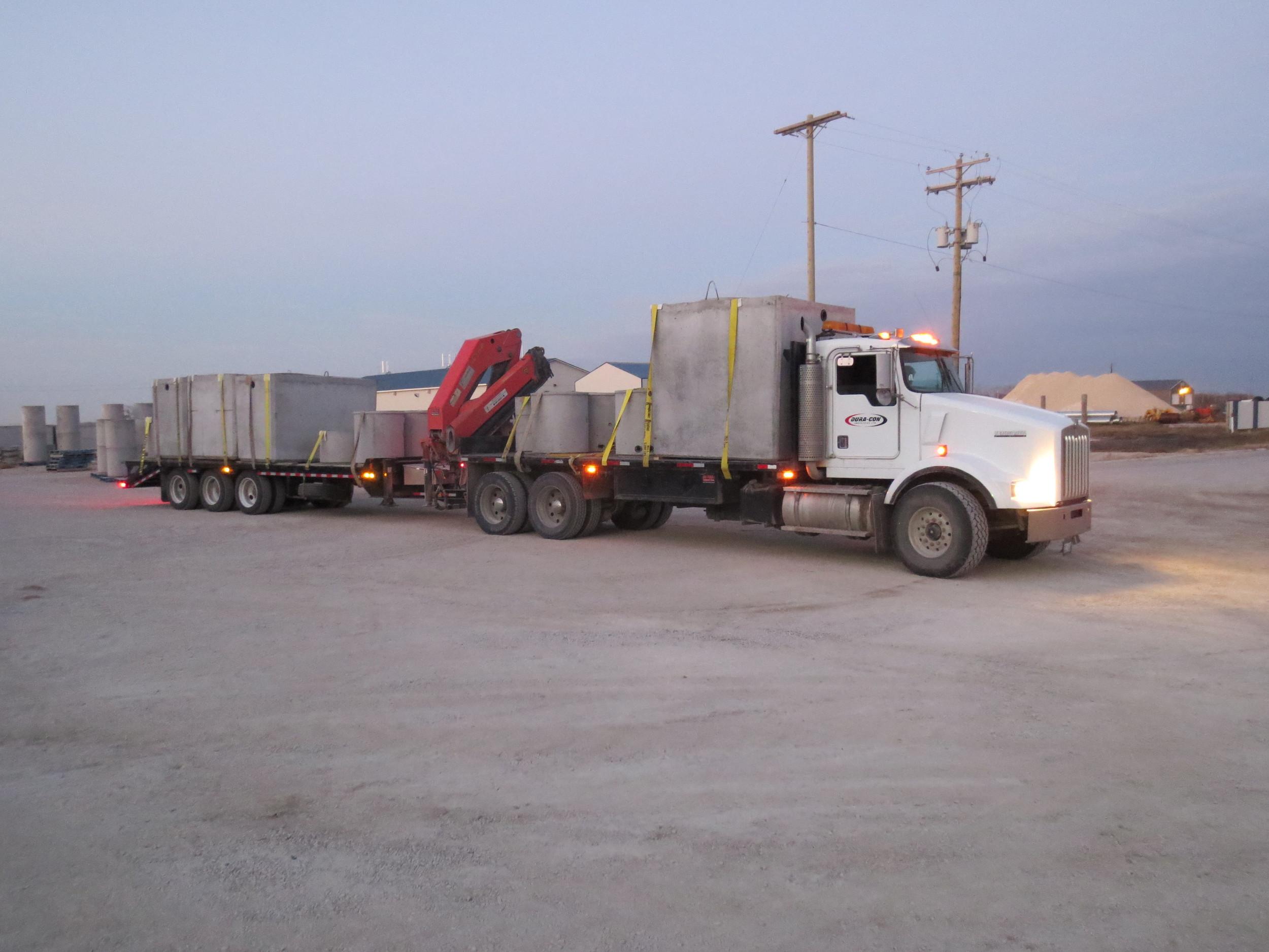 Crane truck and trailer