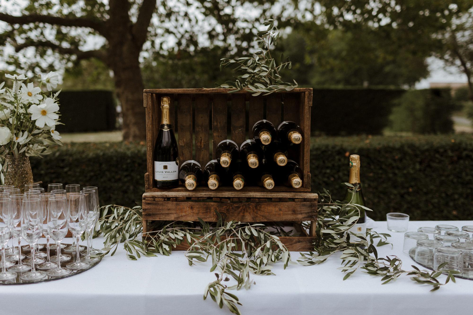 Chateau Rigaud Wedding Photography 13-41-22-CQ2A2047-R+L.jpg