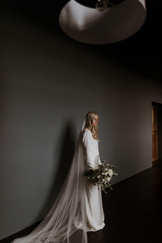 Chateau Rigaud Wedding Photography 14-26-46-1Q5A1290-R+L.jpg