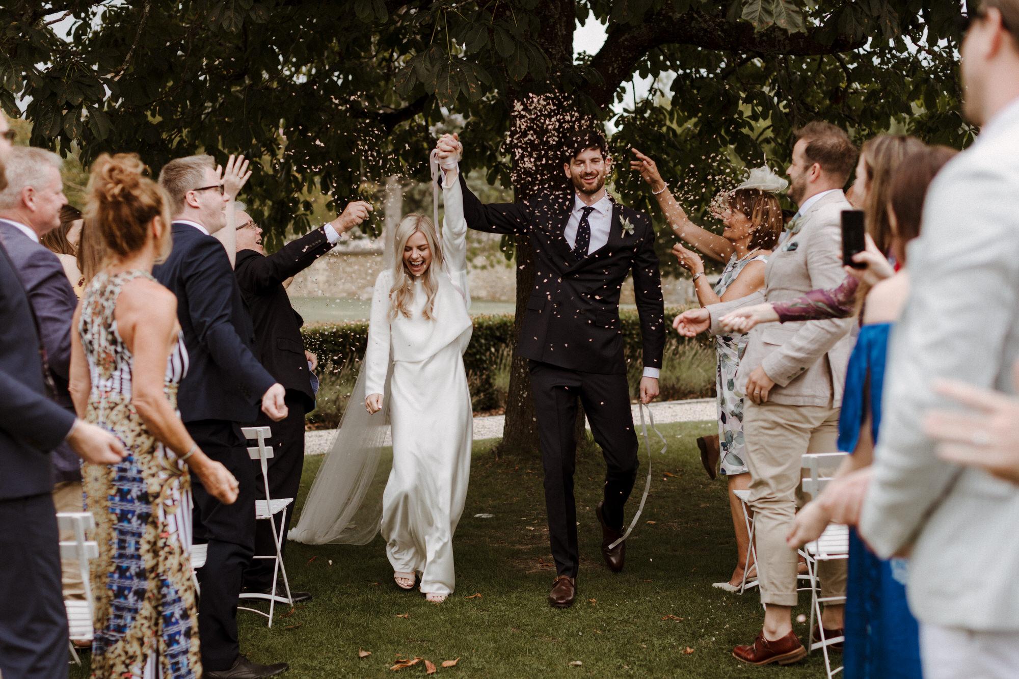 Chateau Rigaud Wedding Photography 15-20-45-1Q5A1734-R+L.jpg