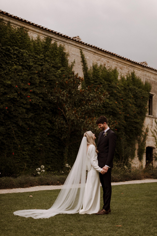 Chateau Rigaud Wedding Photography 15-38-46-1Q5A1932-R+L.jpg