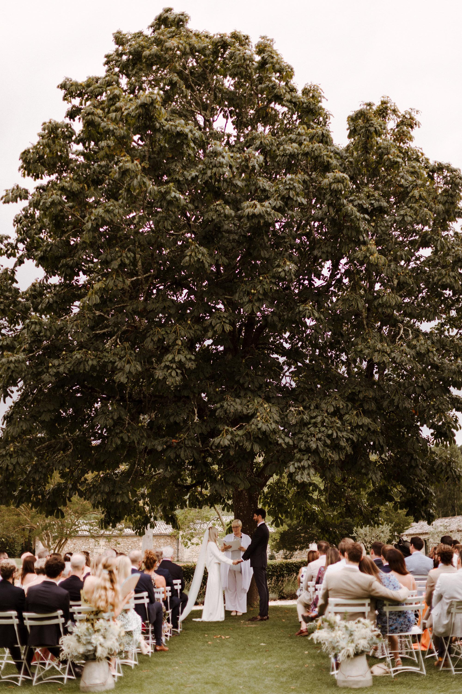 Chateau Rigaud Wedding Photography 15-05-57-1Q5A1575-R+L.jpg