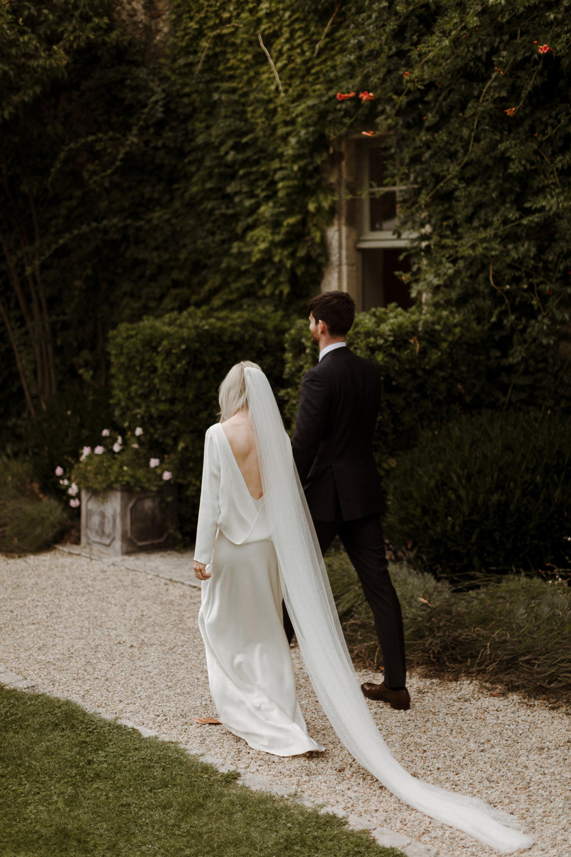 Chateau Rigaud Wedding Photography 15-43-12-1Q5A2009-R+L.jpg