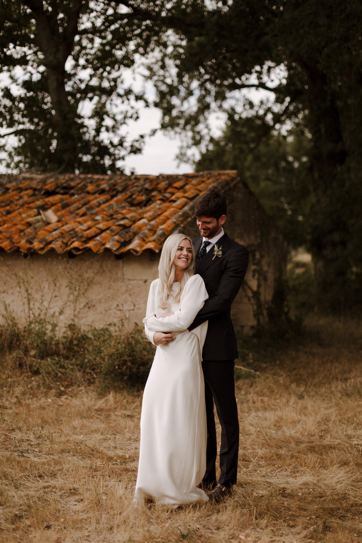Chateau Rigaud Wedding Photography 17-25-09-1Q5A2824-R+L.jpg