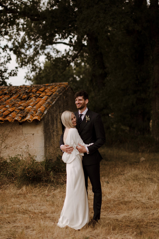 Chateau Rigaud Wedding Photography 17-25-54-1Q5A2862-R+L.jpg