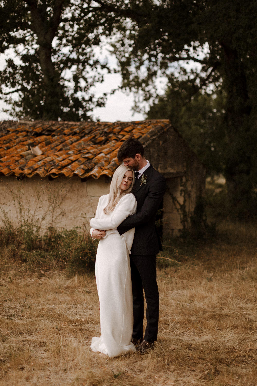 Chateau Rigaud Wedding Photography 17-25-35-1Q5A2848-R+L.jpg