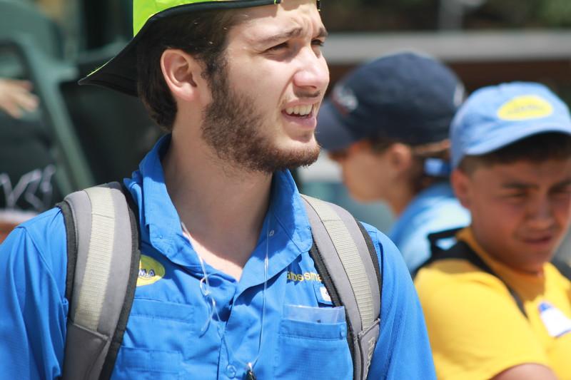 Sebastian Grossman   es estudiante Senior y comenzó en Guaikinima hace 5 años como campista, en el 2015 fue CIT, y es staff de Guaikinima luego de certificarse como guía en el 2016.
