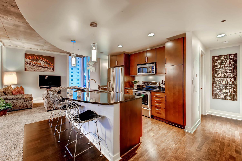 City_Living__Spire-large-015-15-Kitchen-1500x1000-72dpi.jpg