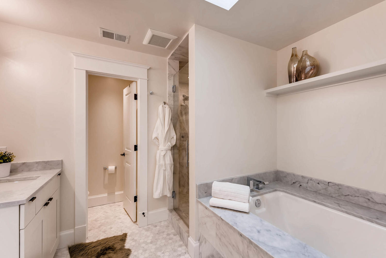 8012 Fox Ridge Ct Boulder CO-large-022-23-2nd Floor Master Bathroom-1499x1000-72dpi.jpg