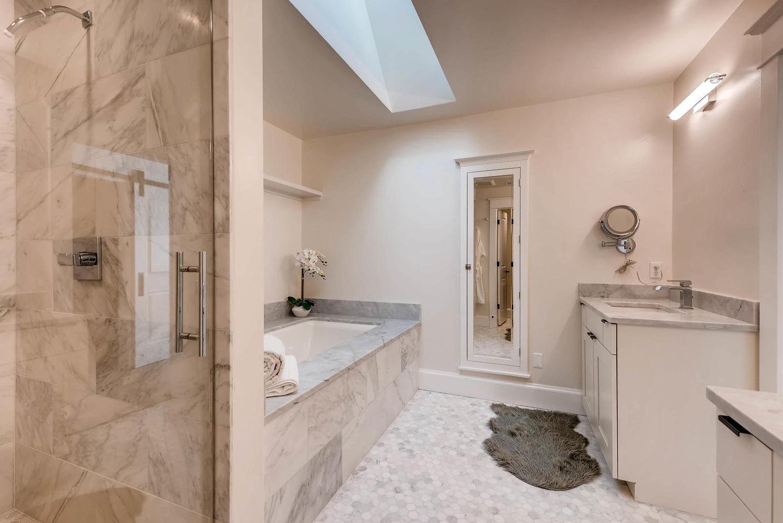 8012 Fox Ridge Ct Boulder CO-large-023-31-2nd Floor Master Bathroom-1499x1000-72dpi.jpg