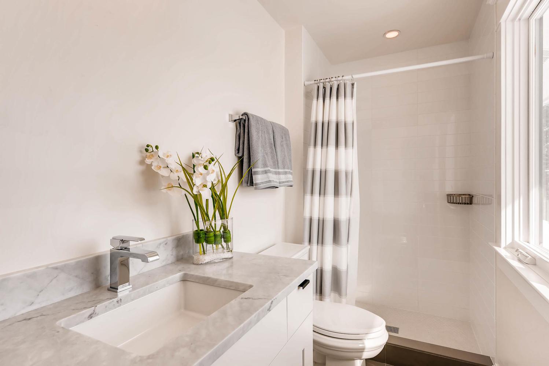 8012 Fox Ridge Ct Boulder CO-large-027-10-2nd Floor Bathroom-1499x1000-72dpi.jpg
