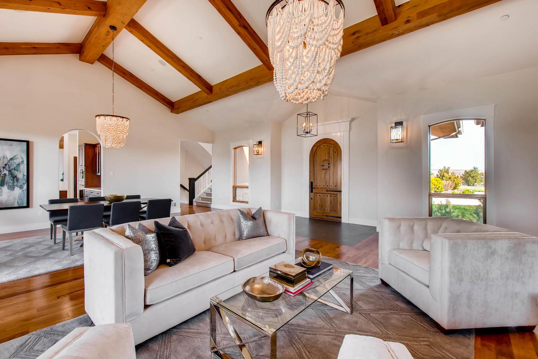 8446 Valmont Rd Boulder CO-large-006-33-Soaring Vaulted Ceilings-1500x1000-72dpi.jpg