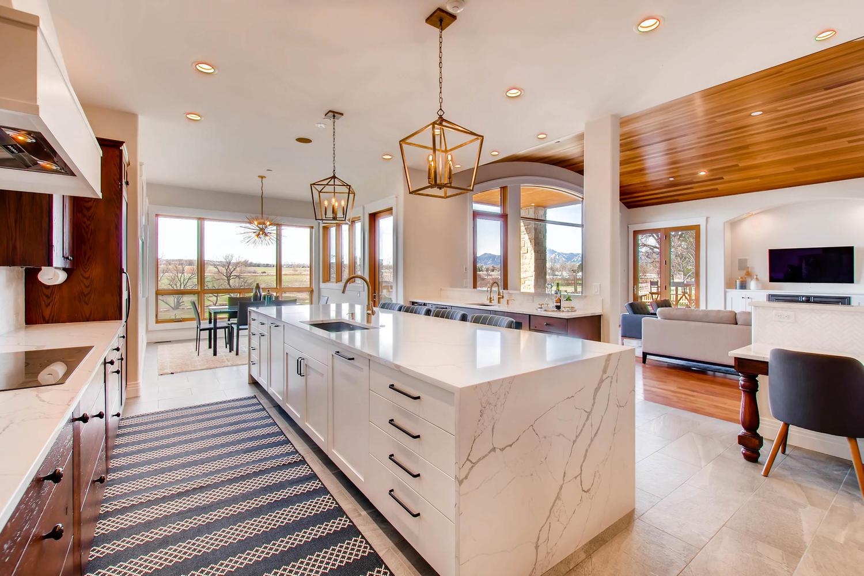 8446 Valmont Rd Boulder CO-large-010-24-Kitchen-1500x1000-72dpi.jpg