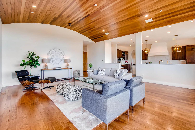 8446 Valmont Rd Boulder CO-large-018-28-Family Room-1500x1000-72dpi.jpg