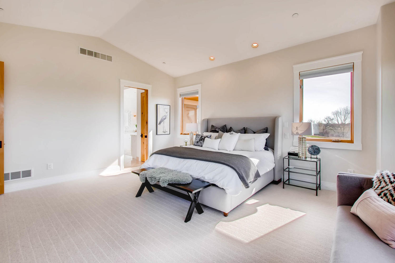 8446 Valmont Rd Boulder CO-large-019-55-Main Floor Master Bedroom-1500x1000-72dpi.jpg