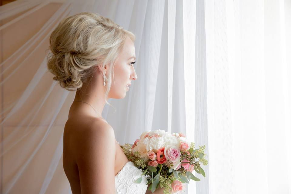 Sheraton-Waikiki-Hawaii-San-Francisco-Napa-Blush-Wedding-Makeup-and-hair-Slater-Robinson-Photography